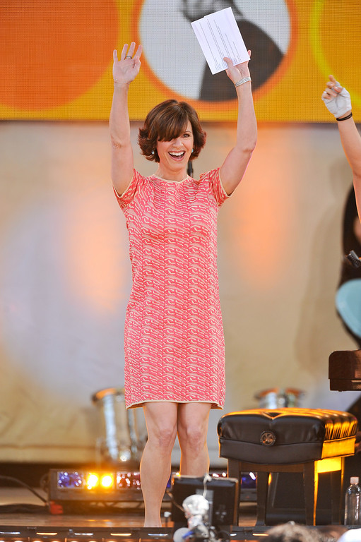 ". NEW YORK, NY - JUNE 21:  Elizabeth Vargas hosts ABC\'s ""Good Morning America\"" at Rumsey Playfield on June 21, 2013 in New York City.  (Photo by D Dipasupil/Getty Images)"