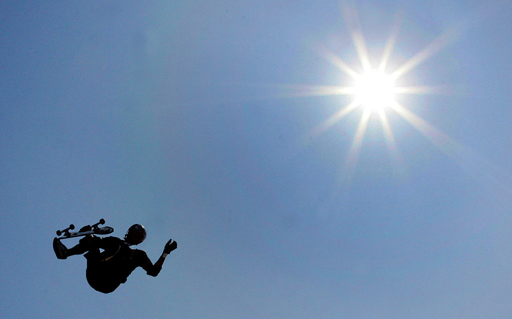 . Bucky Lasek of Encinitas,Calif., during the Skateboard Big Air Finals during the Eleventh X Games at Staples Center in Los Angeles ,Calif., August 7. 2005.  (Pasadena Star-News Staff Photo Keith Birmingham/SXSports)