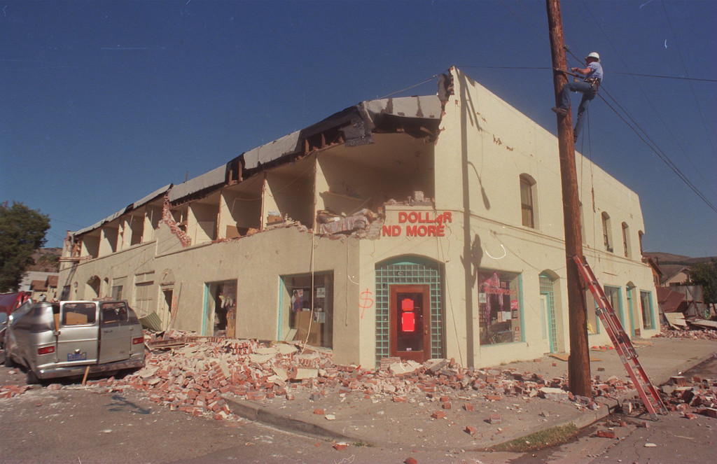 """. The city of Fillmore in Ventura County was hit hard by the quake.  Among the damaged buildings was the Fillmore Hotel.  The Northridge quake hit at 4:31 the morning of Jan. 17, 1994, a powerful jolt that flattened buildings, destroyed homes, damaged freeways, ignited fires and disrupted water and power.  The 6.7-magnitude Northridge Earthquake also killed nearly three dozen people, injured 8,700 more, caused some $20 billion in damage and shattered the nerves of millions of Southern California residents.  \""""It was like the devil was waking up ... it was a horrifying feeling,\"""" said one of the quake victims quoted in a Daily News story on Jan. 18.  Daily News File Photo"""