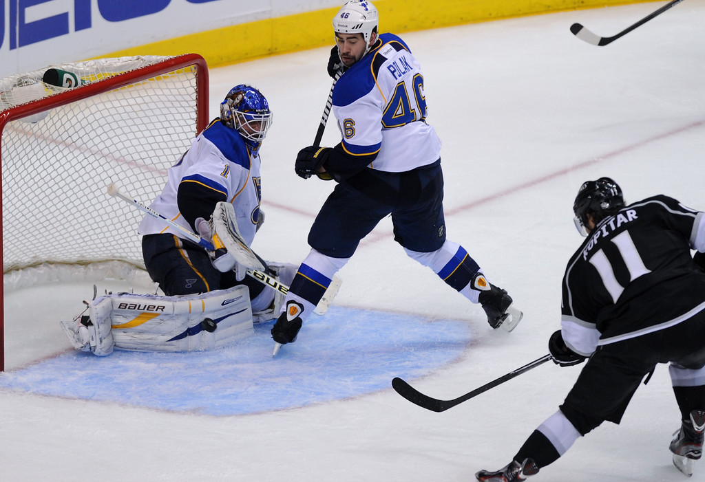 . The Kings\' Anze Kopitar scores against the St. Louis Blues in the third period. (Michael Owen Baker/Staff Photographer)
