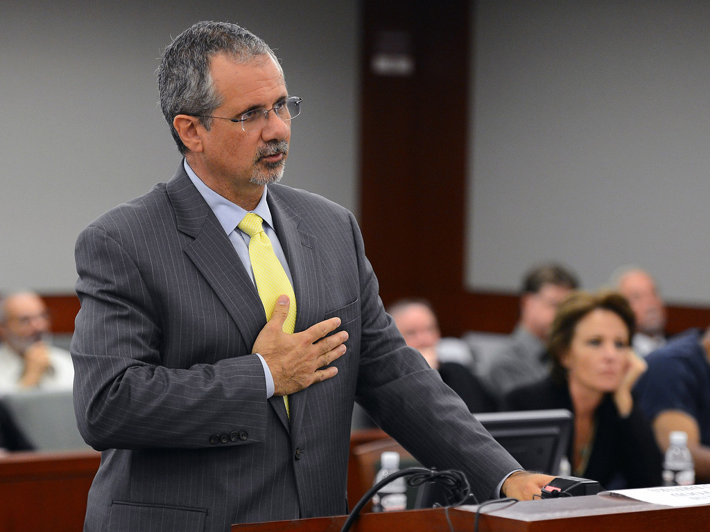 . O.J. Simpson defense attorney Ozzie Fumo speaks at an evidentiary hearing for Simpson in Clark County District Court on Tuesday, May 14, 2013 in Las Vegas.  The hearing is aimed at proving Simpson\'s trial lawyer, Yale Galanter, had conflicted interests and shouldn\'t have handled Simpson\'s case. Simpson is serving nine to 33 years in prison for his 2008 conviction in the armed robbery of two sports memorabilia dealers in a Las Vegas hotel room. (AP Photo/Ethan Miller, Pool)