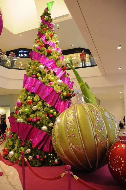 . Christmas tree at the Glendale Galleria.11/29/2013 Glendale, CA. (Photo by John McCoy/Los Angeles Daily News)