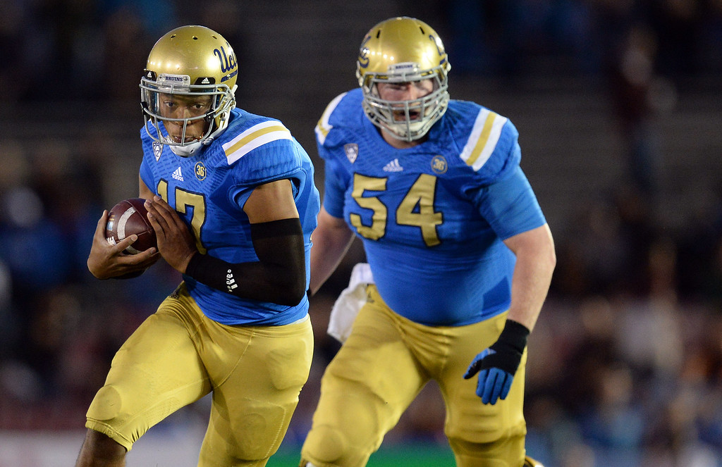 . UCLA�s Brett Hundley #17 scrambles during their game against Arizona State at the Rose Bowl Saturday November 23, 2013. Arizona State beat UCLA 38-33. (Photos by Hans Gutknecht/Los Angeles Daily News)