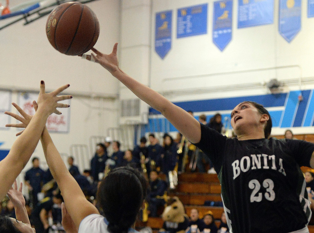 . Bonita\'s Sam Naanouh (23) rebounds against Walnut in the second half of a prep basketball game at Walnut High School in Walnut, Calif., on Wednesday, Jan. 15, 2014. Bonita won 60-50. (Keith Birmingham Pasadena Star-News)