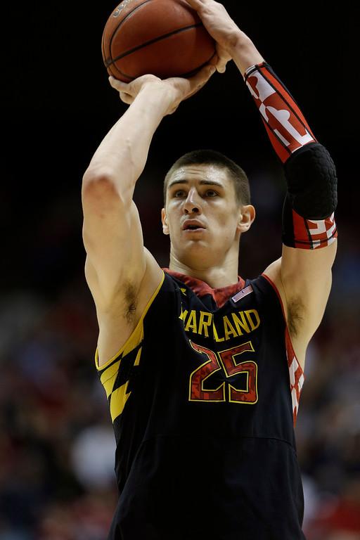 . <b>5. Phoenix - Alex Len</b> <br />7-1, 225 Center, Mayland (AP Photo/Dave Martin)