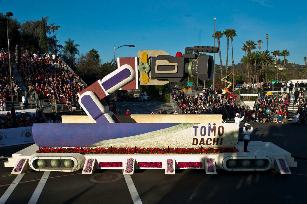 ". American Honda ""Keeping Dreams on Track\"" float during 2014 Rose Parade in Pasadena, Calif. on January 1, 2014. (Staff photo by Leo Jarzomb/ Pasadena Star-News)"