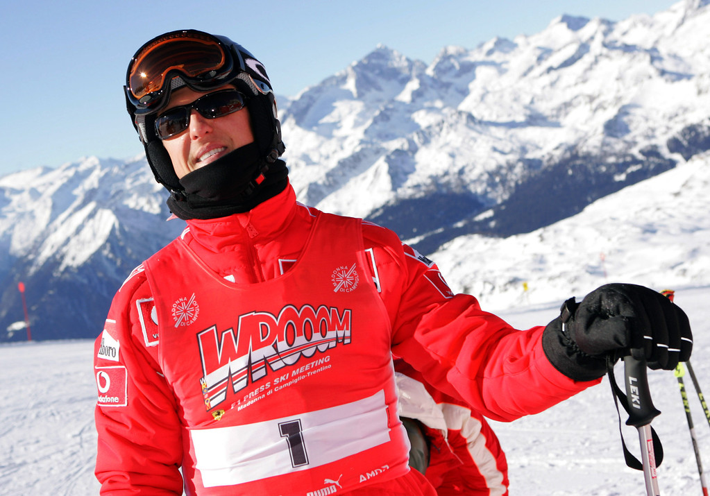 . The picture shows German Formula One driver Michael Schumacher taking part in a \'Giant Slalom Ski Race\' in Madonna di Campiglio, Italy, late Thursday 12 January 2006. Traditionally, in the beginning of the year the Ferrari team and the drivers spend one week of skiing themed \'Wrooom\'. Photo by: Rainer Jensen/picture-alliance/dpa/AP Images
