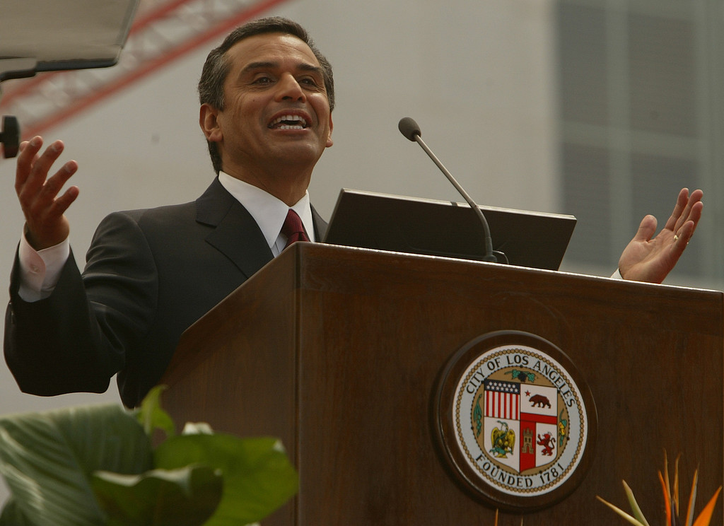 . 7/1/05-LOS ANGELES- Antonio Villaraigosa gives his first speech as Mayor of LA. He was inaugurated as Mayor of the city of Los Angeles Friday, with a procession from the Cathedral of Our Lady of Angels to City Hall. He was sworn in by Justice Stephen Reinhardt, from the United States Court of Appeals for the Ninth Circuit, with his wife Corina by his side.  (Los Angeles Daily News file photo)