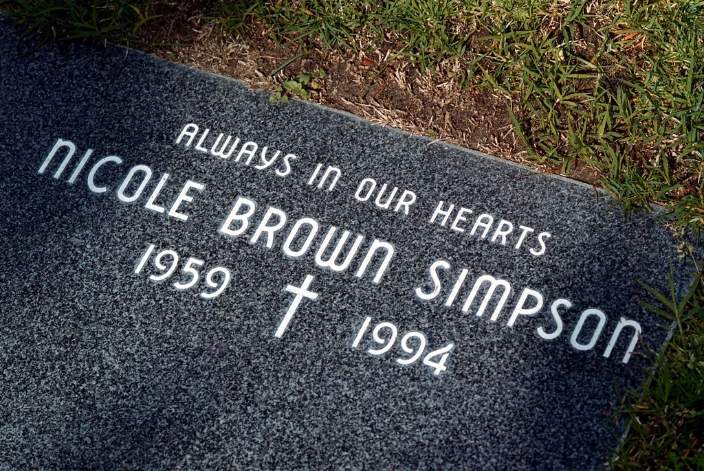 . The grave of Nicole Brown Simpson, late wife of O.J. Simpson, who was buried in 1994, is seen here February 1, 2000 at Ascension Cemetary in Lake Forest, California. (Photo by David McNew)