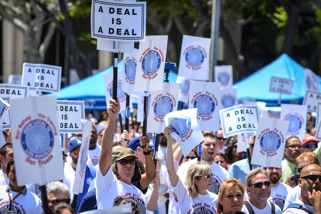 . Members of the IBEW which represents workers at the Los Angeles DWP rally in front of the DWP building in Los Angeles demanding that the DWP stick to it\'s contract offers.     (Photo by David Crane/Los Angeles Daily News)