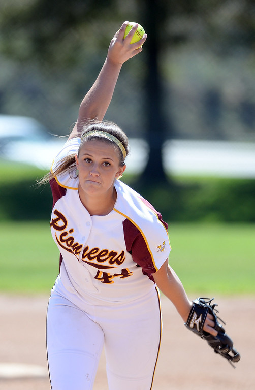 . Simi Valley High School\'s Rylee Reynolds #44 pitches during their girls softball game against Moorpark High School at  Rancho Santa Susana Community Park in Simi Valley Tuesday April 15, 2014. (Photo by Hans Gutknecht/Los Angeles Daily News)