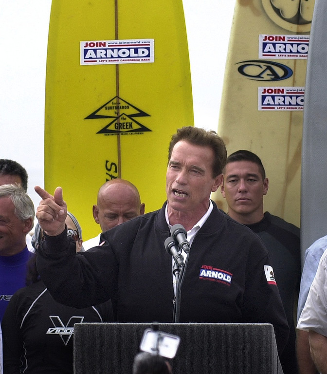 . 10/6/03 - Arnold Schwarzenegger candidate for California Governer talks to supporters at the Hungtington Beach Pier, a ralley the day before the recall election.Photo by David Waters/For the Press-Telegram