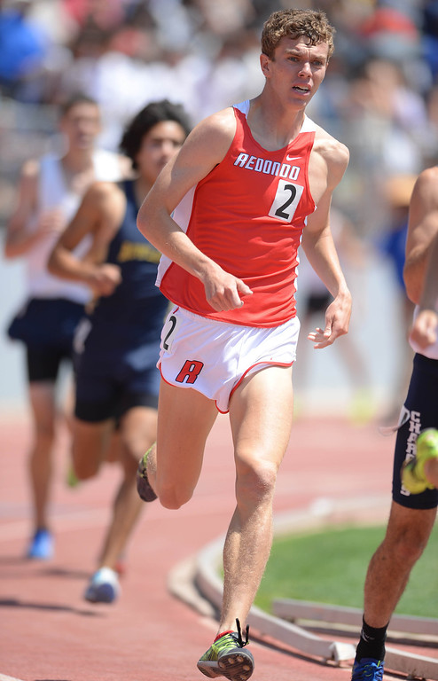 . Redondo\'s Evan Malone-White moves through the pack in the 1600 meter Division 2 race of the CIF Southern Section Track and Field Championships Saturday at Mt. SAC. 20130518 Photo by Steve McCrank / Staff Photographer