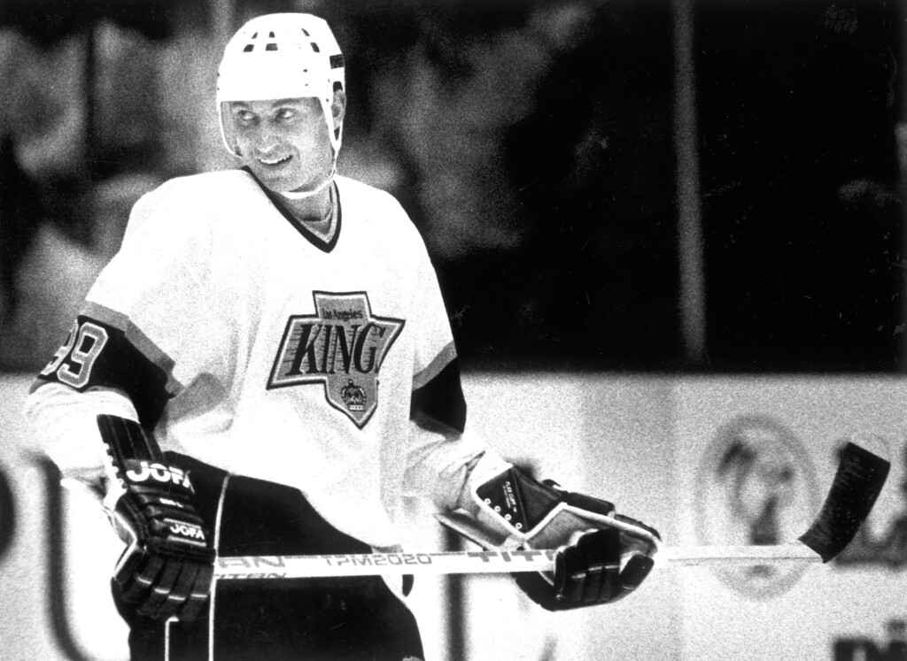. Wayne Gretzky is all smiles after scoring his first goal on 10/6/88.   L.A. Daily News file photo