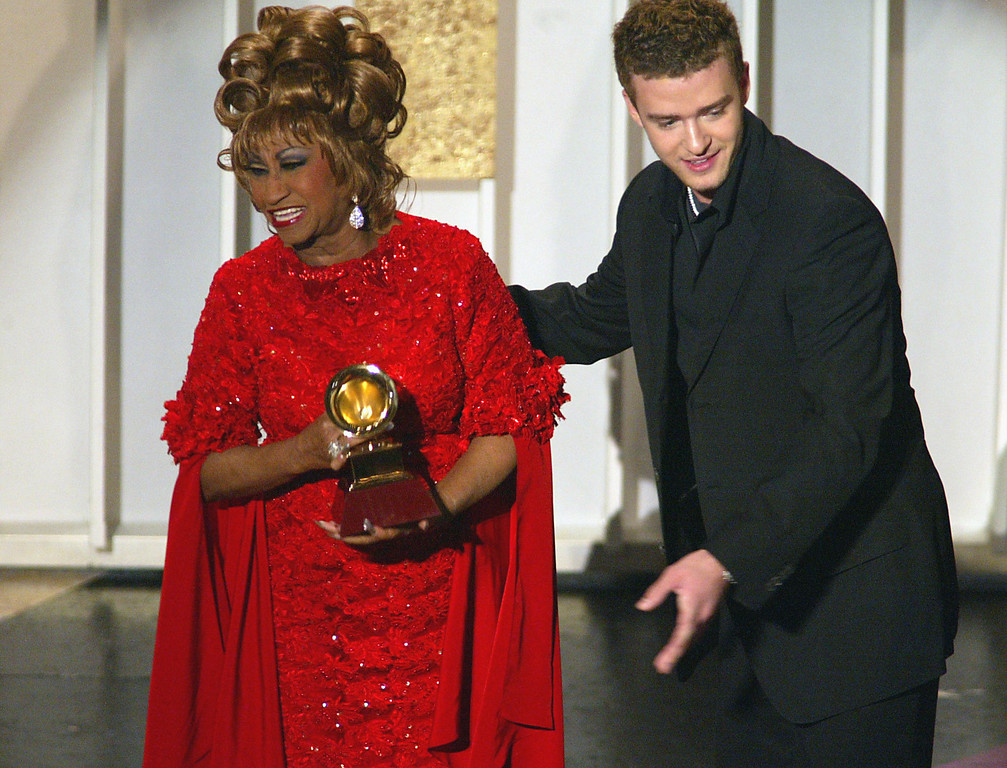 . Winner of Best Salsa Album for La Negra Tiene Tumbao, Celia Cruz and Justin Timberlake at The 3rd Annual Latin Grammy Awards, held at the Kodak Theatre in Los Angeles, Ca., Sept. 18, 2002.  (photo by Frank Micelotta/ImageDirect)