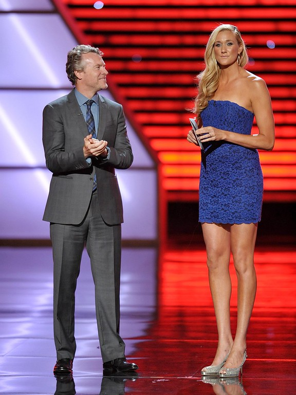 . Tate Donovan, left, and Kerri Walsh Jennings speak at the ESPY Awards on Wednesday, July 17, 2013, at Nokia Theater in Los Angeles. (Photo by John Shearer/Invision/AP)