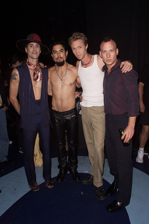 ". Perry Farrell and Janes Addiction backstage at the MTV 20th Anniversary party, ""MTV20: Live and Almost Legal\"" at Hammerstein Ballroom in New York City, 8/1/01. Photo by Frank Micelotta/ImageDirect/Getty Images"