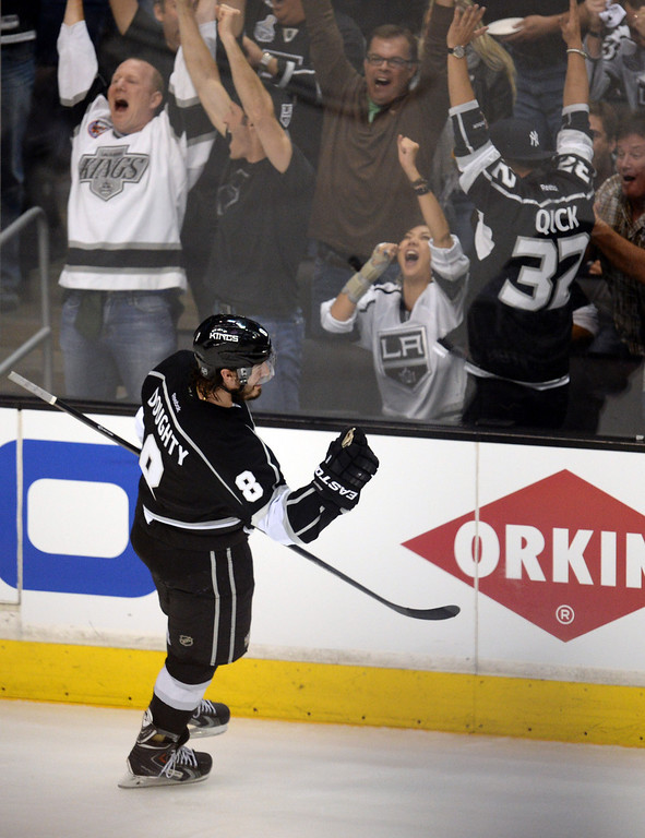 . Fans cheer after the Kings� Drew Doughty #8 scores a third period goal during Game 3 of the Western Conference finals against the Blackhawks at the Staples Center on Saturday, May 24, 2014. The Kings beat the Blackhawks 4-3. (Photo by Hans Gutknecht/Los Angeles Daily News)