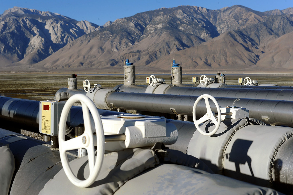 . Water pumps on a levee in Owens Lake. (Photo by Michael Owen Baker/L.A. Daily News)