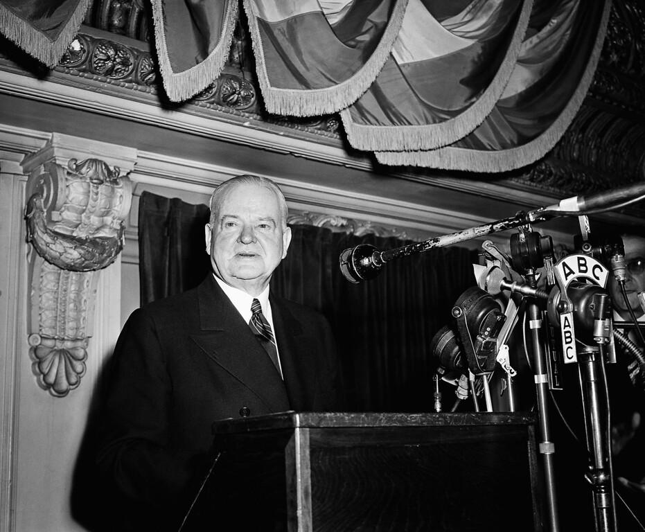. 1945 Rose Parade grand marshal, Former President Herbert Hoover  (AP Photo)