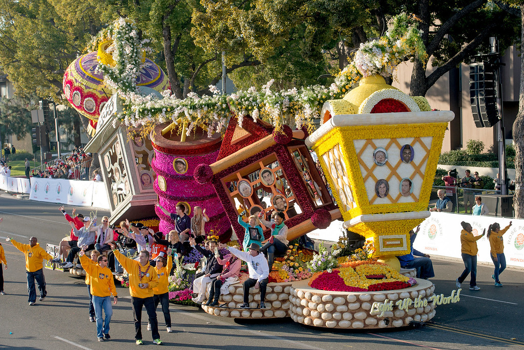 ". Donate Life ""Light Up the World\"" float during 2014 Rose Parade in Pasadena, Calif. on January 1, 2014. This float won Theme award for excellence in presenting parade theme. (Staff photo by Leo Jarzomb/ Pasadena Star-News)"