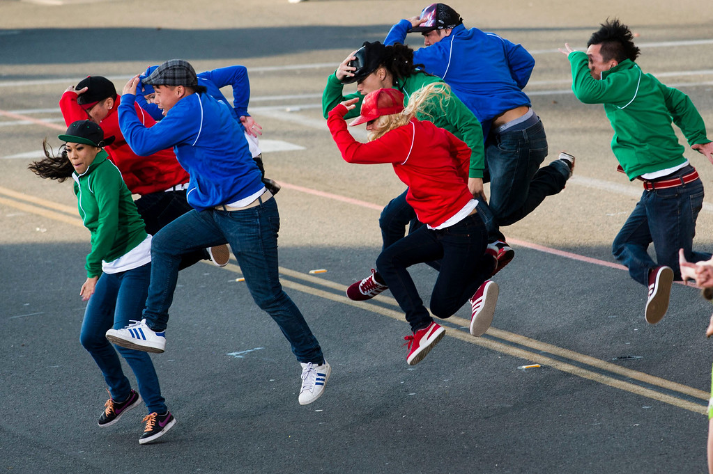 . Dancers with the Wells Fargo\'s Opening Show during 2014 Rose Parade in Pasadena, Calif. on January 1, 2014. (Staff photo by Leo Jarzomb/ Pasadena Star-News)