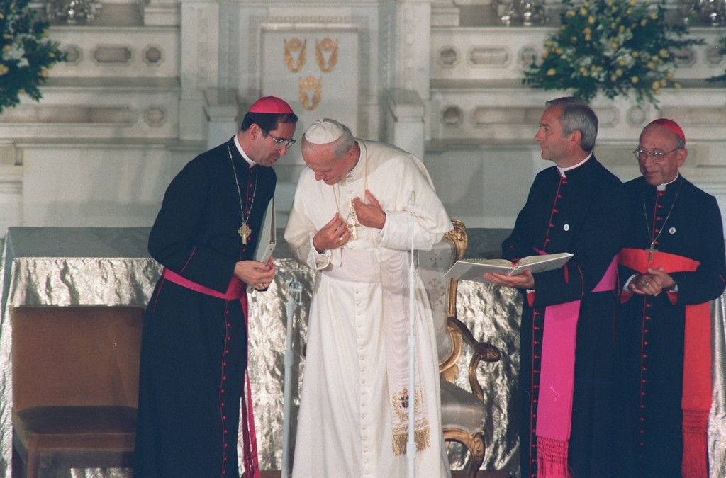 . Los Angeles Archbishop Roger Mahoney (L) talks with Pope John Paul II, Sept. 15, 1987, at St. Vibiana\'s.  (Los Angeles Daily News file photo)