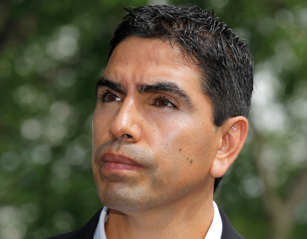 ". Southern California radio host Eddie ""Piolin\"" Sotelo joins several prominent Hispanics speaking at the White House after meeting President Obama to discuss immigration reform, in Washington, Thursday, April 28, 2011.  (AP Photo/J. Scott Applewhite)"