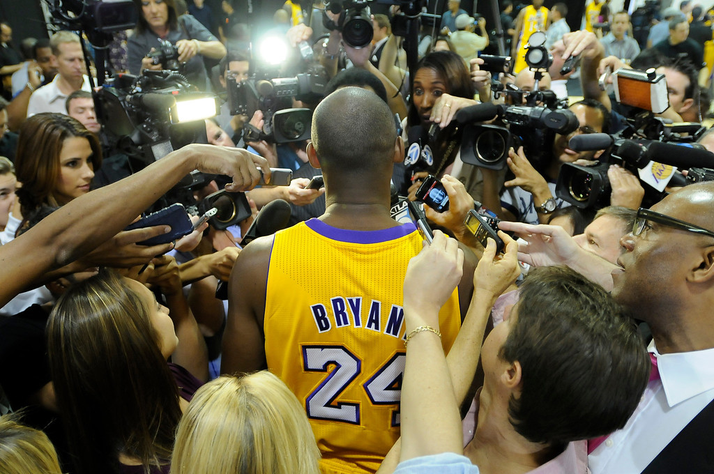 . Kobe Bryant is interviewed.The Los Angeles Lakers held a media day at their El Segundo practice facility. Players were photographed for team materials, and interviewed by the press. El Segundo, CA. 9/27/2013. photo by (John McCoy/Los Angeles Daily News)