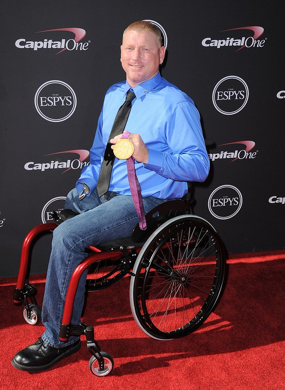 . Paralympic archer Jeff Fabry arrives at the ESPY Awards on Wednesday, July 17, 2013, at Nokia Theater in Los Angeles. (Photo by Jordan Strauss/Invision/AP)