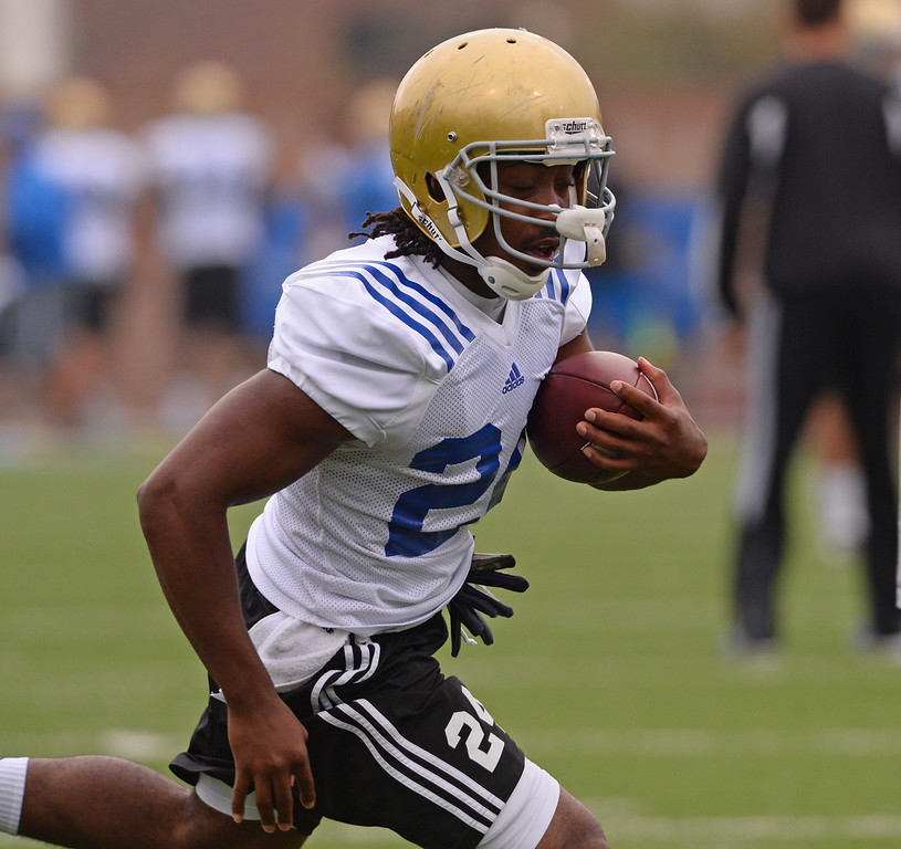 . UCLA football spring practice at Spaulding Field.  RB #24 Paul Perkins. (Apr.16, 2014 Photo by Brad Graverson/The Daily Breeze)