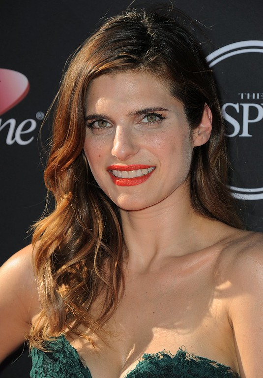 . Actress Lake Bell arrives at the ESPY Awards on Wednesday, July 17, 2013, at Nokia Theater in Los Angeles. (Photo by Jordan Strauss/Invision/AP)