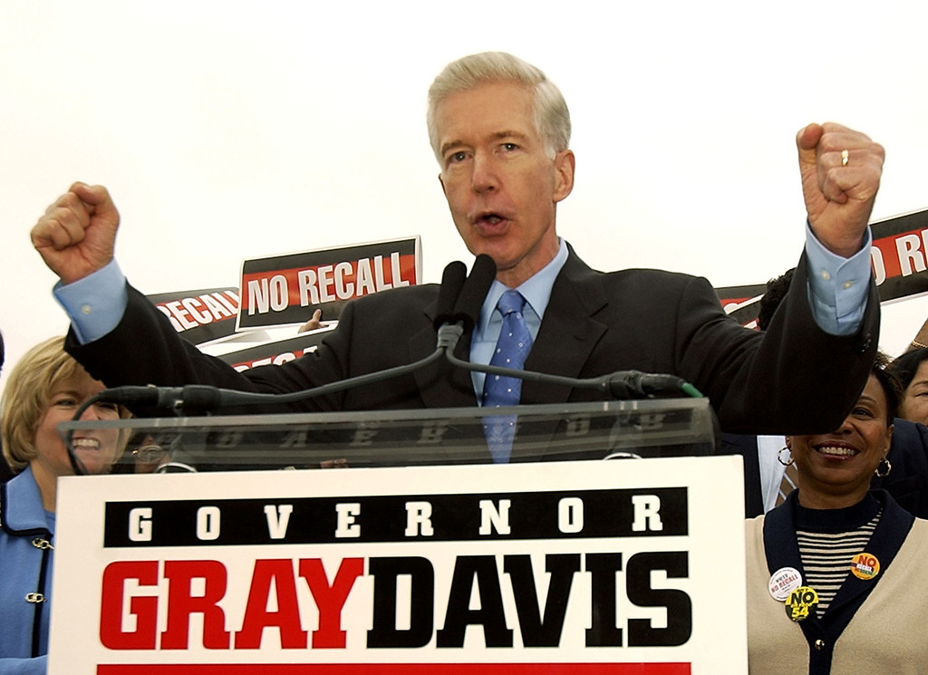 """. California Gov. Gray Davis urges union members to vote no on the recall at a labor rally at Teamster\'s Hall in Oakland, Calif., Saturday, Oct. 4, 2003, to kick off a three day \""""Just Say No!\"""" fly-around. (AP Photo/Kevork Djansezian)"""