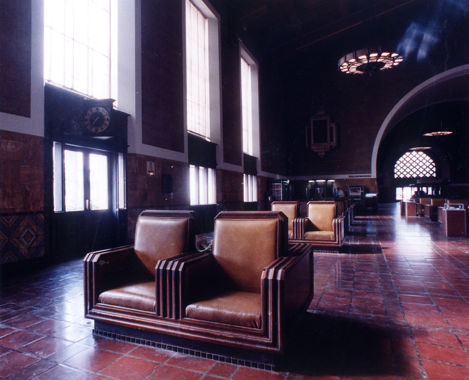. The Union Station building on February 7, 1990, has a combination of mission and art deco styles.    (Los Angeles Daily News file photo)