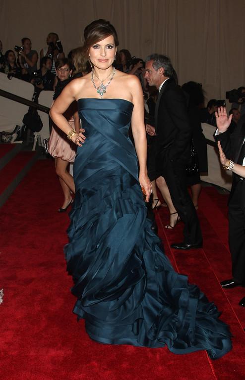 . Mariska Hargitay arrives to the Metropolitan Museum of Art Costume Institute gala in New York, on Monday, May 3, 2010. (AP Photo/Peter Kramer)