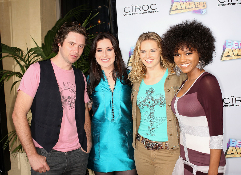 . American Idol season 7 finalists Michael Johns, Carly Smithson, Kristy Lee Cook and Syesha Mercado arrive at the 2008 BET Awards after party held at the The Roosevelt Hotel on June 24, 2008 in Hollywood, California.  (Photo by Frederick M. Brown/Getty Images)