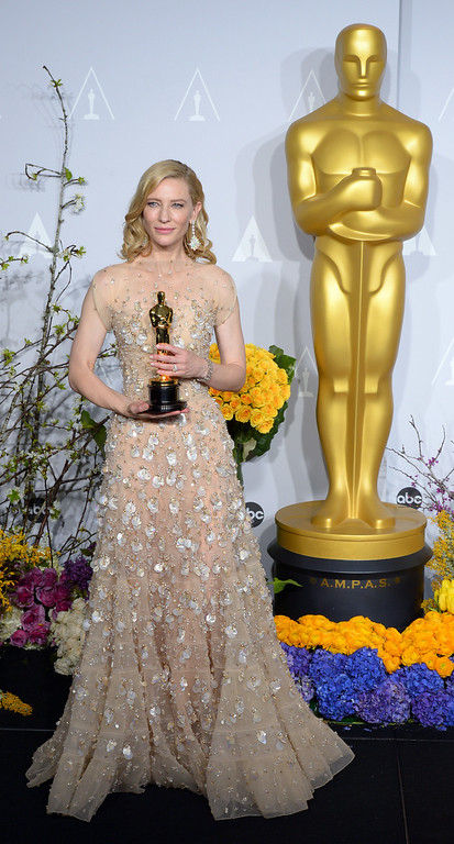 . Cate Blanchett accepts the Best Performance by an Actress in a Leading Role award for \'Blue Jasmine\' backstage at the 86th Academy Awards at the Dolby Theatre in Hollywood, California on Sunday March 2, 2014 (Photo by David Crane / Los Angeles Daily News)