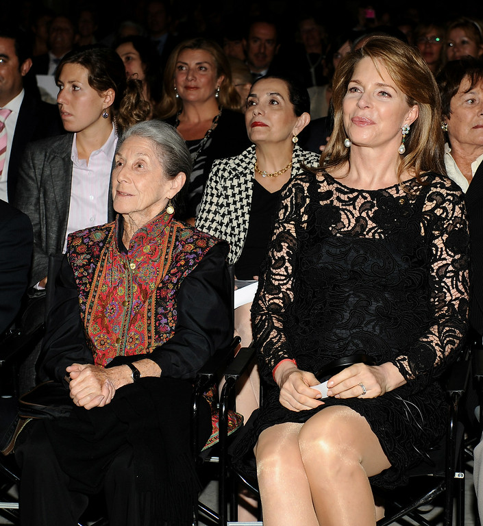 ". South African writer Nadine Gordimer (L) and Queen Noor of Jordan (R) attend the 2008 Save The Children Awards at the ""Circulo Bellas Artes\"" on October 6, 2008 in Madrid, Spain  (Photo by Carlos Alvarez/Getty Images)"