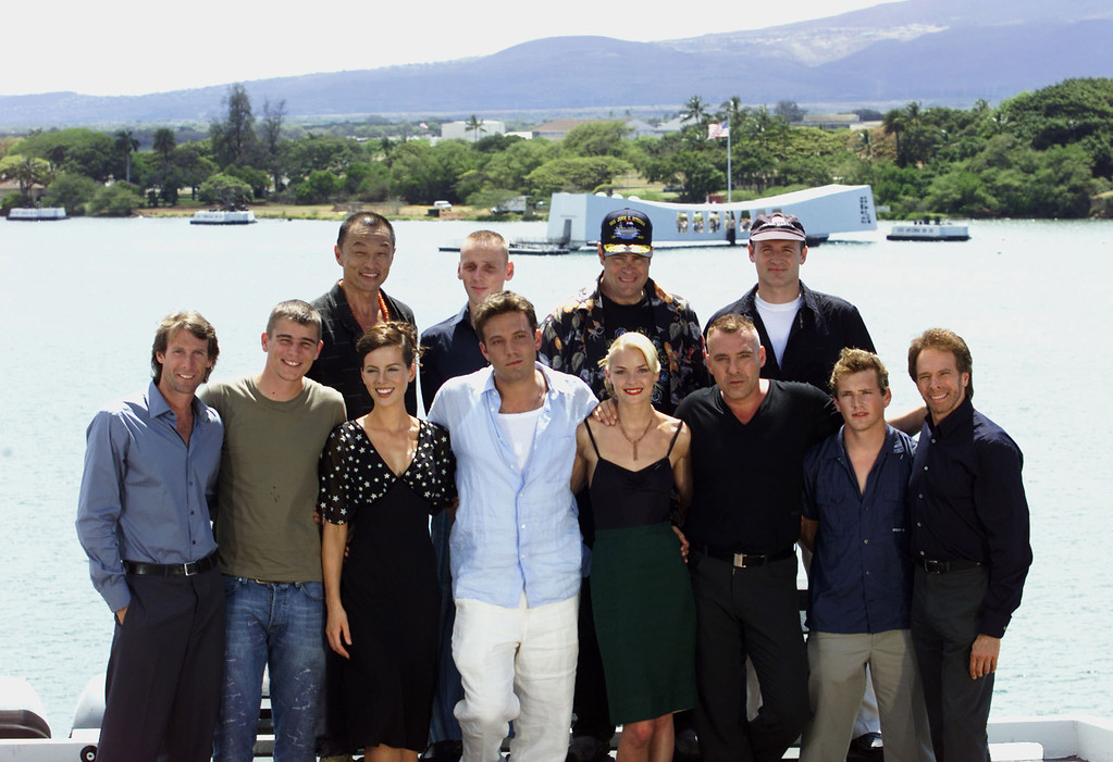 . Bottom left, Producer/Director Richard Bay, Josh Hartnett, Kate Beckinsale, Ben Affleck, James King, Tom Sizemore, William Lee Scott, Producer Jerry Bruckheimer, Top left, Cary Tagawa, Ewen Bremner, Dan Aykroyd and Colm Feore gather together on the flight deck of the aircraft carrier USS John C. Stennis Sunday, May 20, 2001, in preparation for the World Premiere of Touchstone Pictures\' / Jerry Bruckheimer Films\' PEARL HARBOR.  Pictured in the background is the USS Arizona Memorial located in Pearl Harbor, Hawaii.  (photo by Kevin Winter/Touchstone Pictures/Getty Images/Los Angeles)