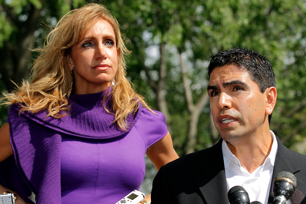 ". Lili Estefan, the Cuban-American host of ""El Gordo y la Flaca\"" on Univision, and at right, Southern California radio host Eddie \""Piolin\"" Sotelo speak at the White House after meeting President Obama to discuss immigration reform, in Washington, Thursday, April 28, 2011. (AP Photo/J. Scott Applewhite)"