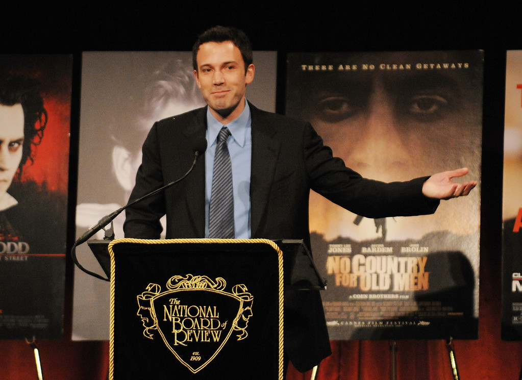 """. Actor-director Ben Affleck accepts the award for Best Directorial Debut for \""""The Assassination of Jesse James by the Coward Robert Ford\"""" at the 2007 National Board of Review of Motion Pictures Awards Gala presented by Bulgari at Cipriani\'s 42nd Street, Tuesday, Jan. 15, 2008 in New York. (AP Photo/Evan Agostini)"""