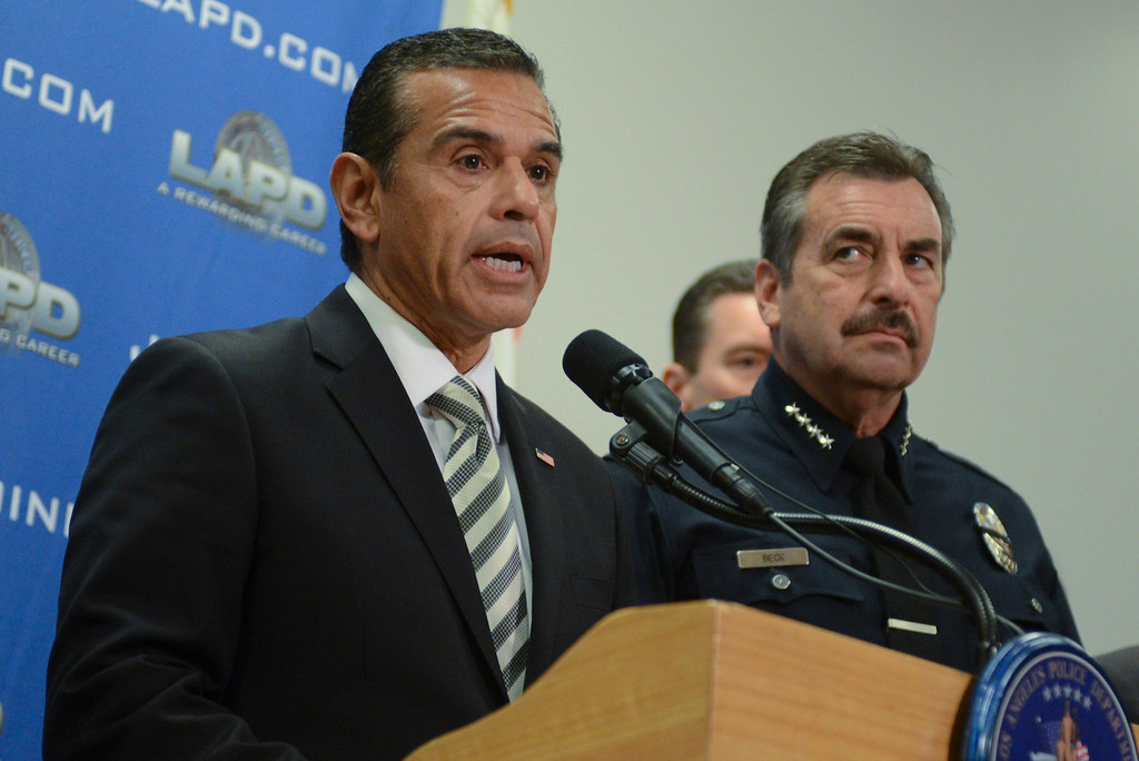 . Los Angeles mayor Antonio Villaraigosa and LAPD Chief Charlie Beck announce a $1 million reward for information leading to the arrest ex LAPD officer Christopher Dorner.  (David Crane/L.A. Daily News)