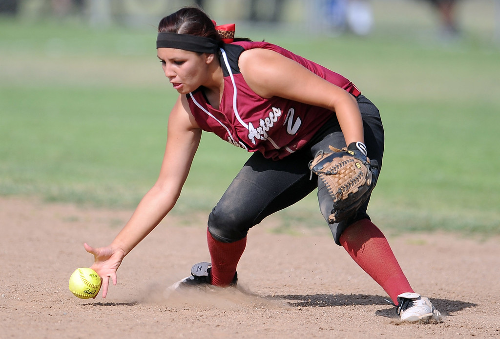 . Barstow second baseman Meagan Alvarez (C) (8) fields a ground ball in the sixth inning of a CIF-SS quarterfinal playoff softball game at Northview High School on Thursday, May 23, 2013 in Covina, Calif. Northview won 5-4.  (Keith Birmingham Pasadena Star-News)