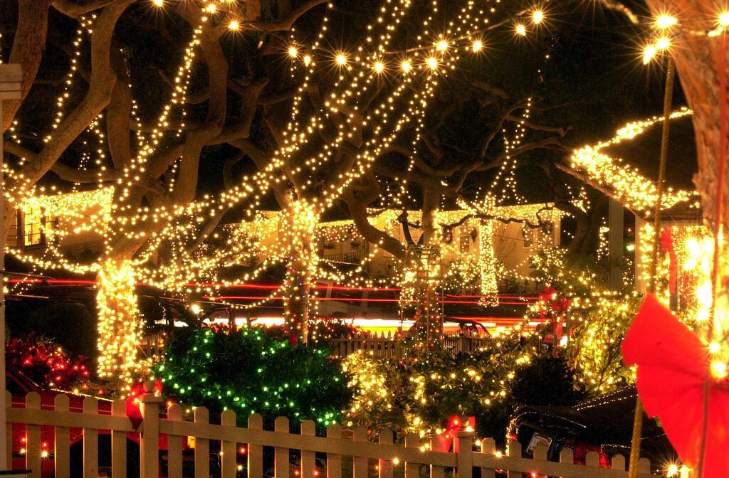 ". XmasLights03.12/22/99.BK  Photo by Branimir KvartucMillions of Christmas lights light up the neighborhood of \""Sleepy Hollow\"" in Torrance."