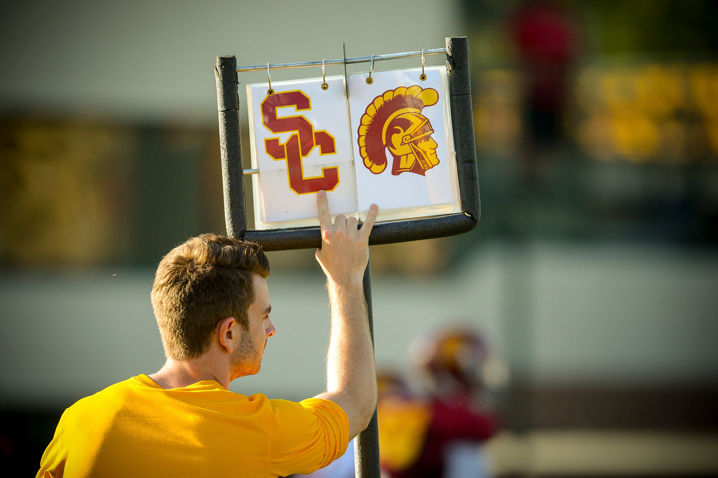 . Keeping track of downs during spring practice at USC Tuesday, April 15, 2014.  (Photo by David Crane/Los Angeles Daily News.)
