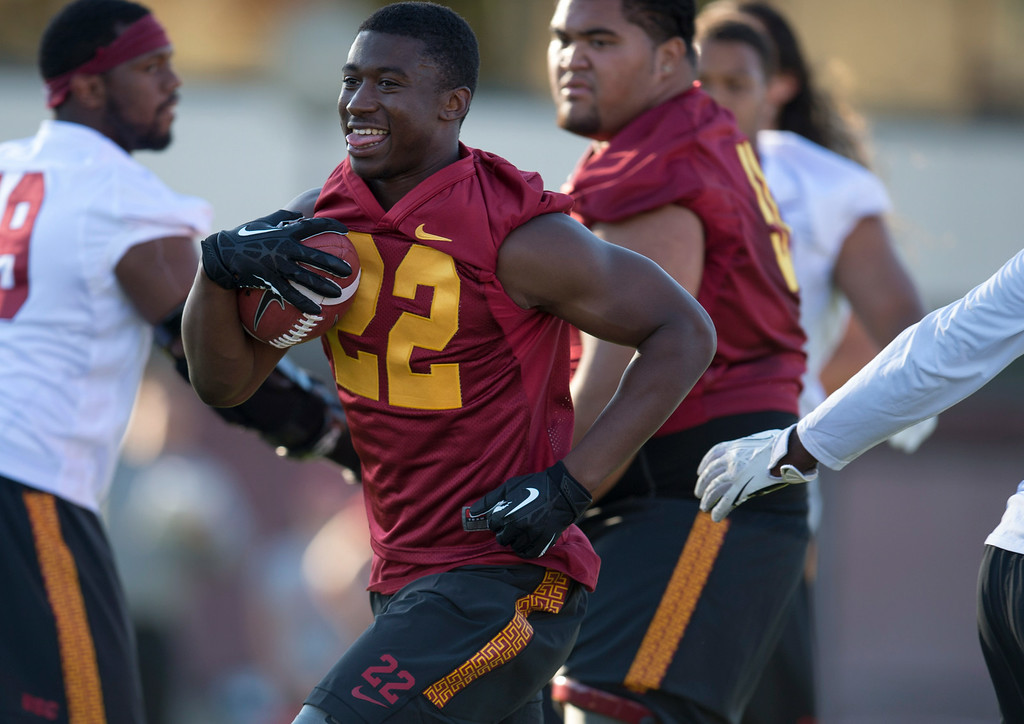 . Rb Justin Davis #22  during practice at USC, Howard Jones Field on the USC campus in Los Angeles, Monday, August 4, 2014. (Photo by Hans Gutknecht/Los Angeles Daily News)