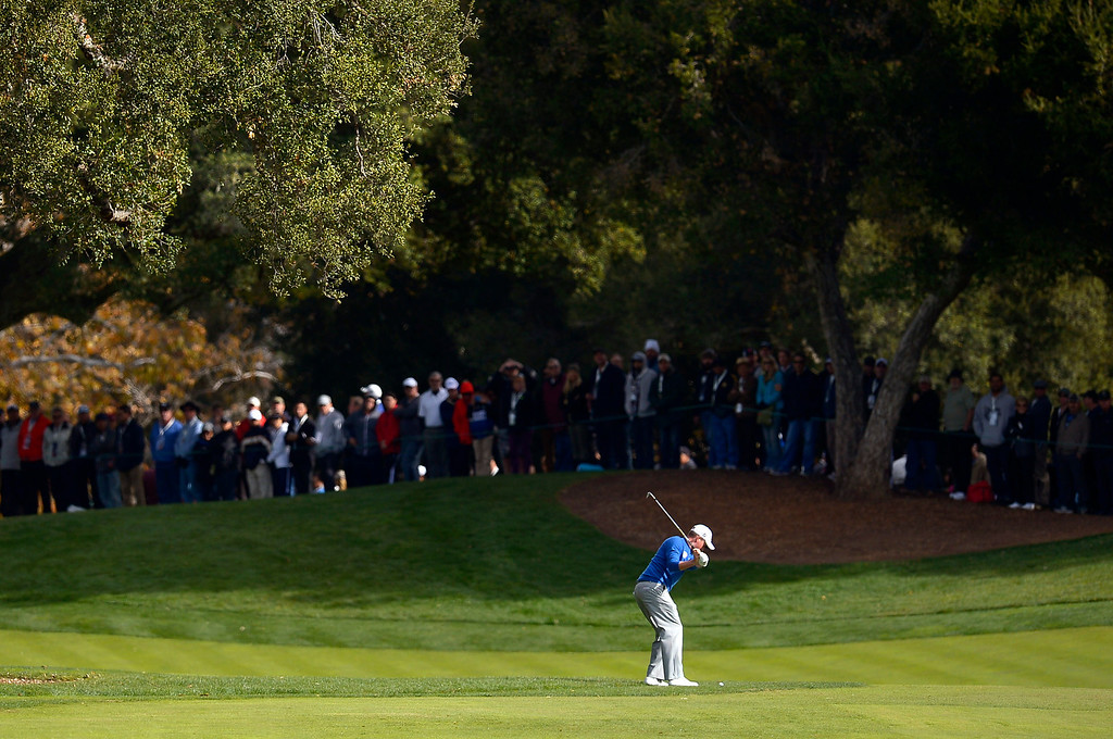 . Webb Simpson hits a shot the 1st green during the final round of the Northwestern Mutual World Challenge golf tournament at Sherwood Country Club, Sunday December 8, 2013, in Thousand Oaks, Calif.(Andy Holzman/Los Angeles Daily News)