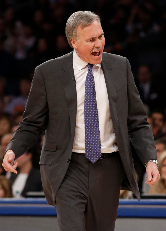 . Los Angeles Lakers\' Mike D\'Antoni reacts during the second half of the NBA basketball game against the New York Knicks at Madison Square Garden Sunday, Jan. 26, 2014, in New York. The Knicks defeated the Lakers 110-103. (AP Photo/Seth Wenig)