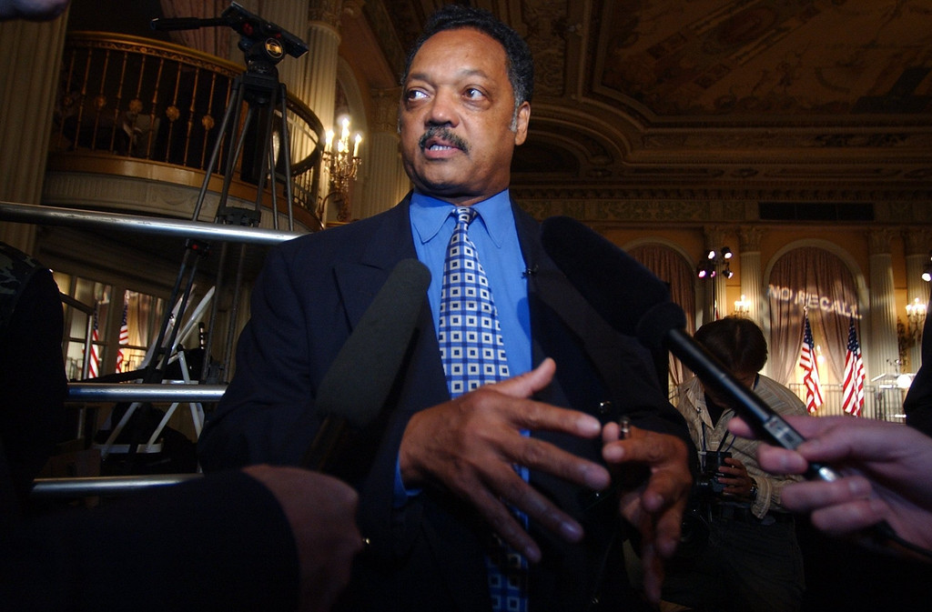 . 10-7-03-- LOS ANGELES Jesse Jackson arrives at the scene before the arrival of Governor Gray Davis at the Biltmore Hotel in Los Angeles on election night.Charlotte Schmid-Maybach/Los Angeles Daily News