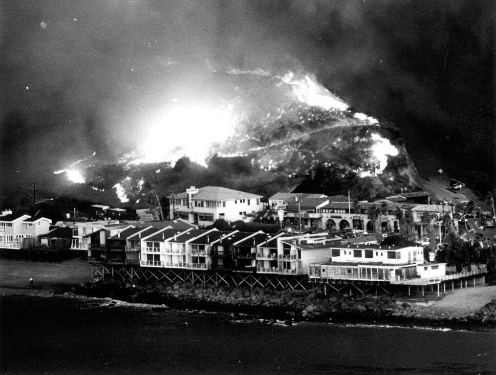 . Malibu fire, November 1993.   Los Angeles Daily News file photo